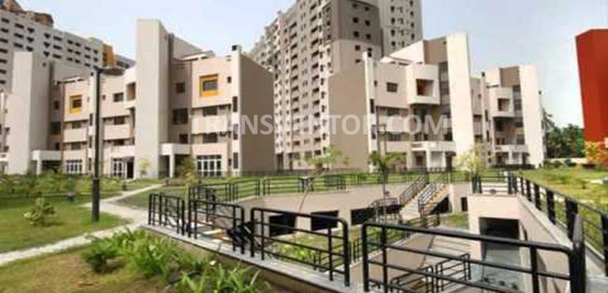 3 BHK Apartment in Hiland Woods Code – STKS00013736-7